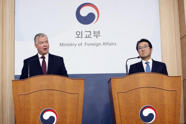 U.S. Special Representative for North Korea Stephen Biegun and his South Korean counterpart Lee Do-hoon spoke to reporters on Monday in Seoul. Photo by Yonhap
