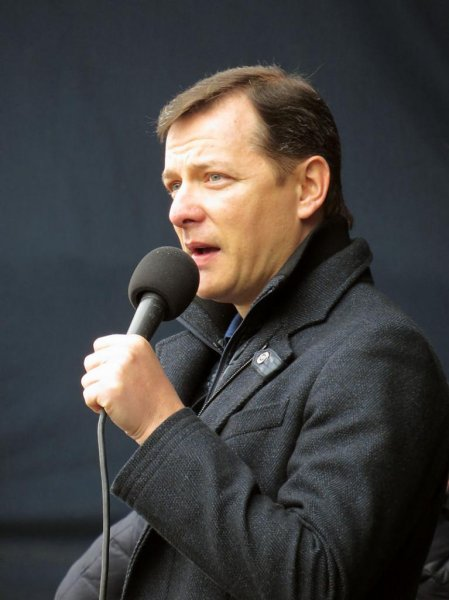 Oleh Lyashko, the Ukrainian politician and journalist who serves as leader of the Radical Party, announced Tuesday his party is quitting the coalition government on Tuesday a day after violent clashes erupted between ultranationalists and riot police outside the parliament building. Photo by Аимаина хикари/WikiCommons
