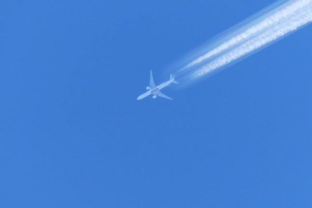 New research suggests the impact of airplane contrails on the climate is expected to triple in the coming decades. Photo by Nestek/Wikimedia Commons