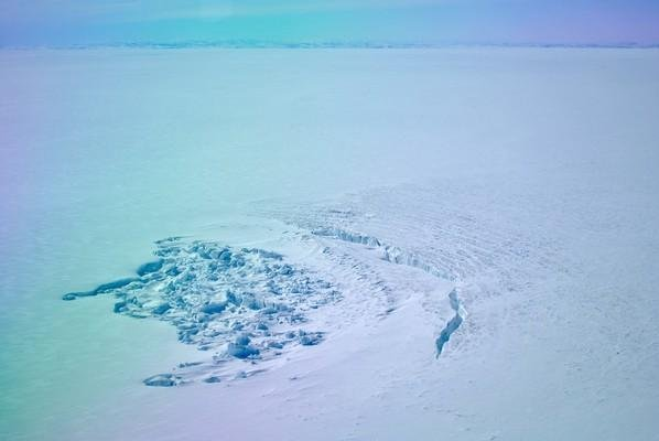 Scientists puzzled, worried by rapid draining of Greenland lakes
