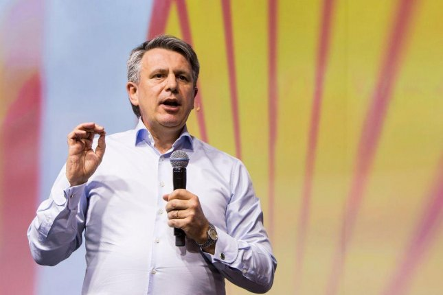 Shell Chief Executive Ben van Beurden announces further cuts in capital investments for 2016 as momentum builds behind merger with BG Group. Photo courtesy of Royal Dutch Shell.