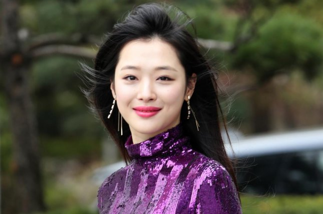 South Korean singer and actress Sulli was found dead at her residence in Seongnam, south of Seoul, on Monday. File Photo by Yonhap