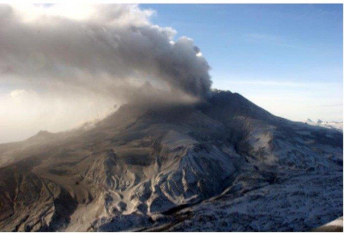 39 unusual 39 alaskan volcano studied for forecasting clues. Black Bedroom Furniture Sets. Home Design Ideas