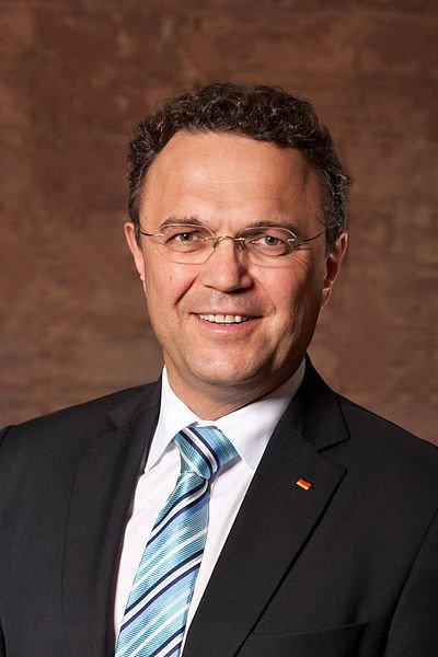 Hans-Peter Friedrich, courtesy of Henning Schacht, via Wikimedia Commons.