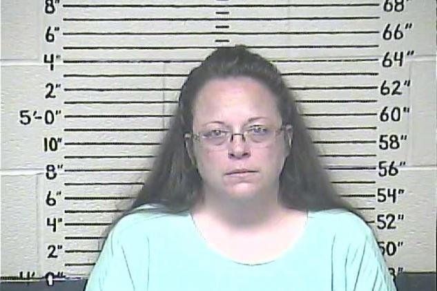 Kentucky clerk Kim Davis back at work; says she won't issue licenses