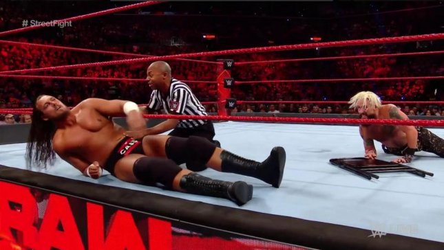 Big Cass sustains knee injury on Raw