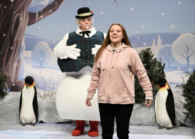 Aidy Bryant as a snowman and Kate McKinnon as Greta Thunberg on Saturday Night Live this weekend. Photo by Will Heath/NBC