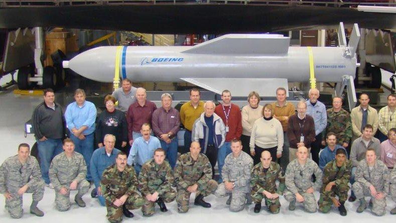 WSJ: U.S. beefs up super bomb to wipe out Iran nuke site