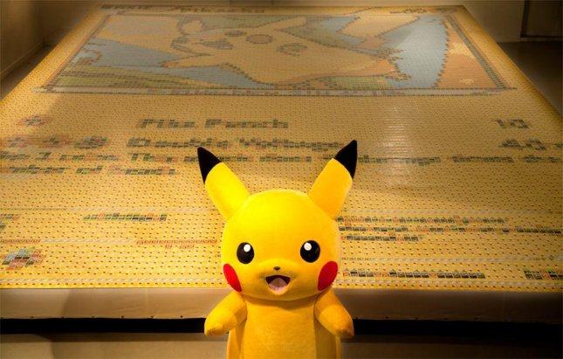 U.K. artist makes Pikachu mosaic out of 13,000 Pokemon cards
