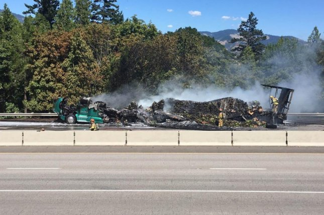 This wreckage is bananas, b-a-n-a-n-a-s. Photo by Oregon Department of Transportation/Twitter