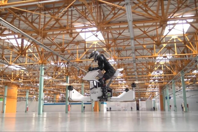 A Scorpion-3 hoverbike goes for a test flight. Screenshot: Storyful