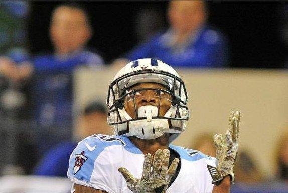 Man sues Titans receiver Sharpe, lineman Tretola for assault