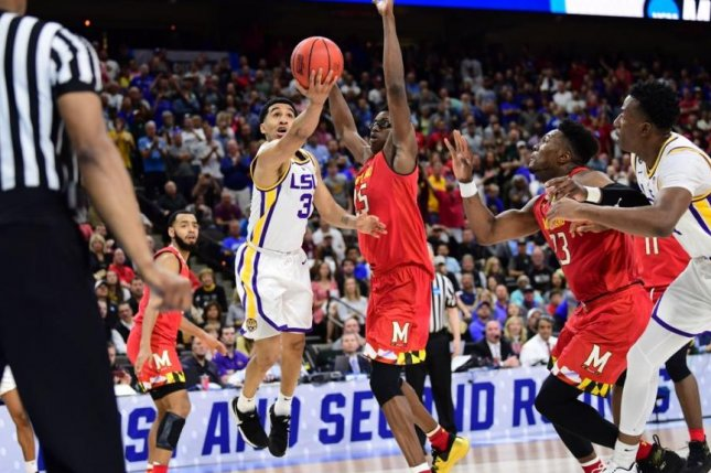 LSU Tigers guard Tremont Waters lays in the winning shot with 1.6 seconds left to send the Tigers to the Sweet 16 with a 69-67 victory over Maryland, but some say that he might have traveled on the winning shot. Photo by Twitter/LSU Tigers