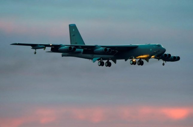 A U.S. B-52 bomber in flight. Photo by U.S. Air Force.