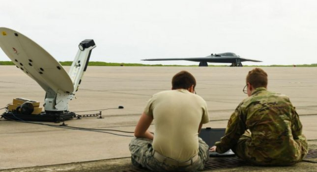 Air Force uses mobile operations center for B-2 bomber for first time