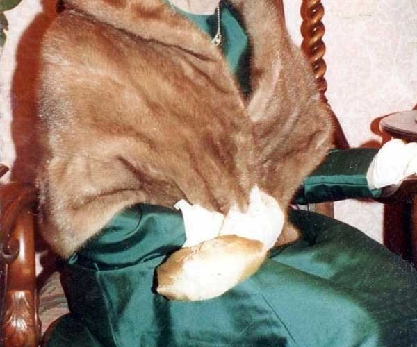 Items stolen by Ivanko, which she claimed to be cursed included minks coats. (Wikimedia/FamSac)