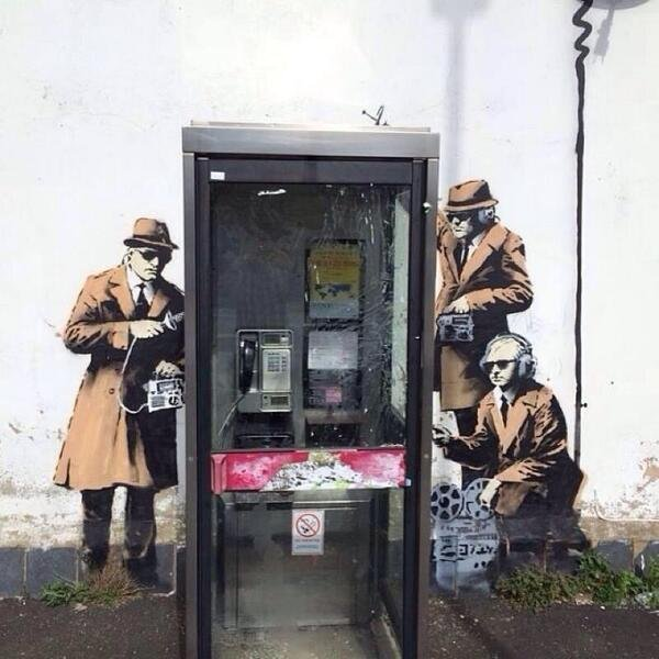 New mural possibly painted by street artist Bansky. (@gillo Twitter)