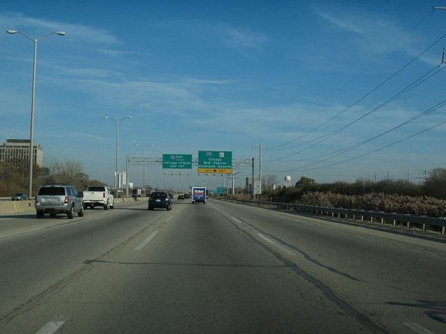 Chicago's Jane Addams Memorial Tollway, where a 45-ton steel beam in a bridge construction project fell Tuesday, killing a construction worker. Photo by aneekr/Wikimedia
