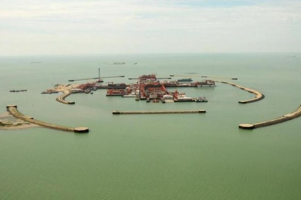U.S. services company KBR was hired by a consortium managing oil field complexes in the Kazakh waters of the Caspian Sea. Photo courtesy North Caspian Operating Company