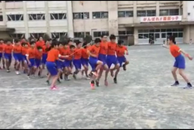Dozens of students pull off impressive synchronized jump rope routine