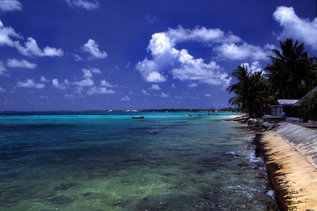 A beach on the island of Tuvalu. (CC/Stefan Lins)