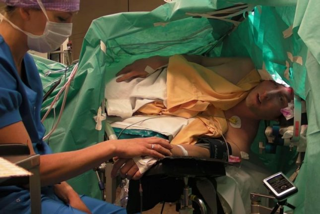 Ambroz Bajec-Lapajne sings opera while undergoing brain surgery at University Medical Center Utrecht in the Netherlands. Ambroz Bajec-Lapajne/YouTube video screenshot