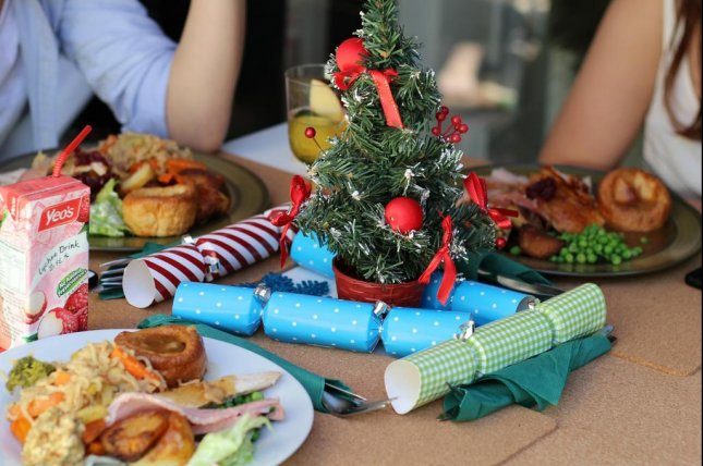 One health expert suggests that peoole with food allergies can still enjoy festive gatherings, as long as they take certain precautions. Photo by vivienviv0/pixabay