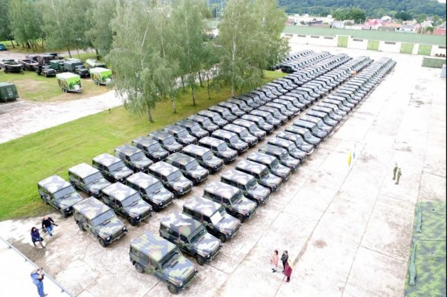 Over past six months, Lithuania has received about 200 combat and medium-lift Mercedes-Benz GD vehicles, trucks and other military vehicles from the Netherlands. Photo courtesy Lithuania Ministry of Defense