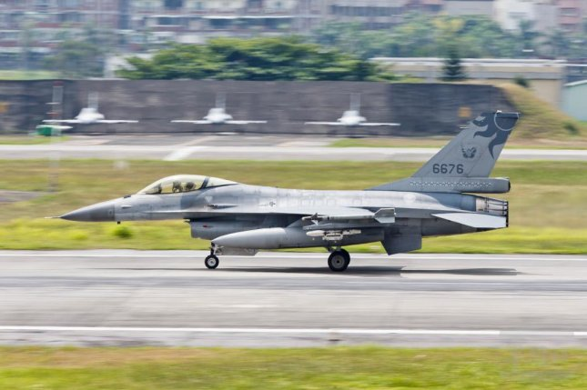 A handout photo made available by Taiwan Military News Agency shows a F-16 warplane at the Hualien Air Base in Hualien, Taiwan, Monday. Photo courtesy of Taiwan Military News Agency