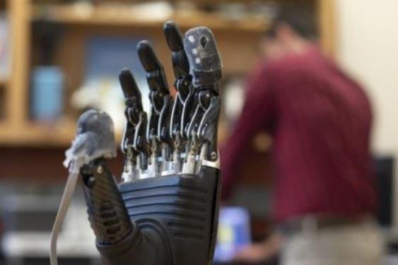 Prosthetic hand get sonse of touch