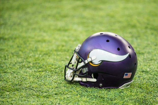 bab4ed67505d08 Vikings to honor Sparano with decals on helmets - UPI.com