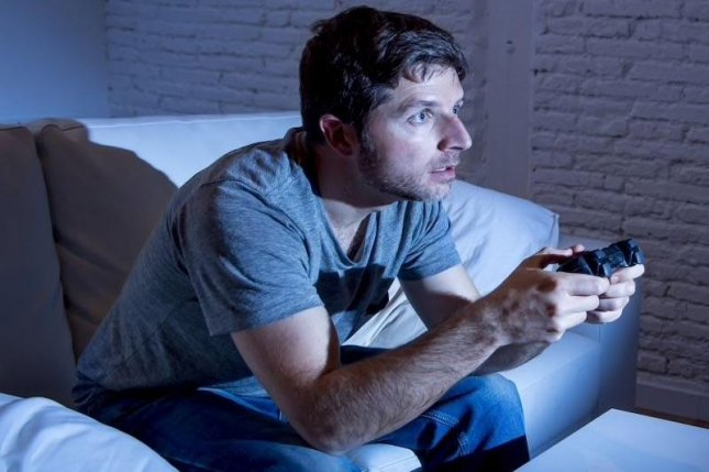 A new treatment for gaming addiction developed by German researchers combines components of cognitive behavioral therapy, a therapy contract and weekly protocols. Photo courtesy of HealthDay News