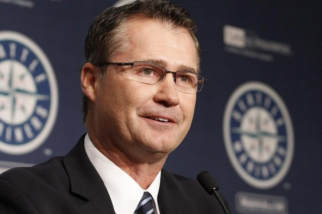 Seattle Mariners manager Scott Servais told his club that if it scored at least 10 runs and won Sunday against the Oakland Athletics, he would wear the jewels. The Mariners beat the Athletics 11-1 at O.co Coliseum in Oakland. Photo courtesy of the Seattle Mariners/Instagram