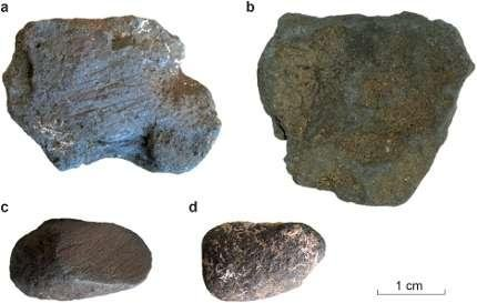 Manganese dioxide blocs collected from Neanderthal archaeological sites in France. Photo by Leiden University/NWO