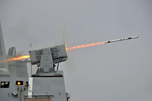 A rolling Airframe missile is launched by a U.S. warship. Photo by Mass Communication Specialist 2nd Class Gary Granger Jr./U.S. Navy
