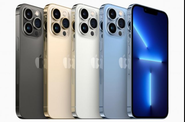 The iPhone 13 Pro phones will come in four colors -- graphite, gold, silver and sierra blue. Image courtesy of Apple