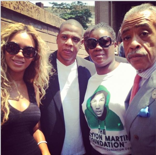 Beyonce, Jay Z, and Al Sharpton join Travyon's mother, Sybrina Fulton, at a rally in New York City. (Al Sharpton/Instagram)
