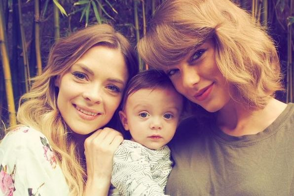 Jaime King (L) with son Leo and Taylor Swift on January 16. Photo by Taylor Swift/Instagram
