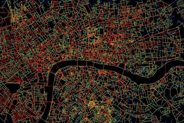 Using GPS or satnav instructions to navigate a city turn off portions of the brain normally used for navigation, researchers found in a recent study. Pictured, a satnav map shows the street grid in central London, which researchers used to test participants in the study. Photo by Joao Pinelo Silva/UCL