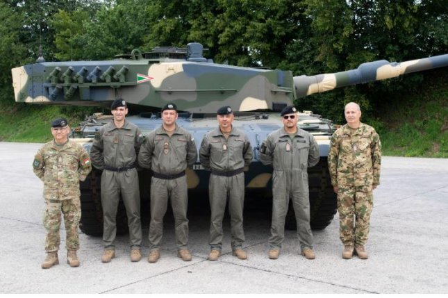 Hungary received its first four Leopard 2 tanks this week, part of a planned 44-tank acquisition from Germany. Photo courtesy of Hungarian Ministry of Defense