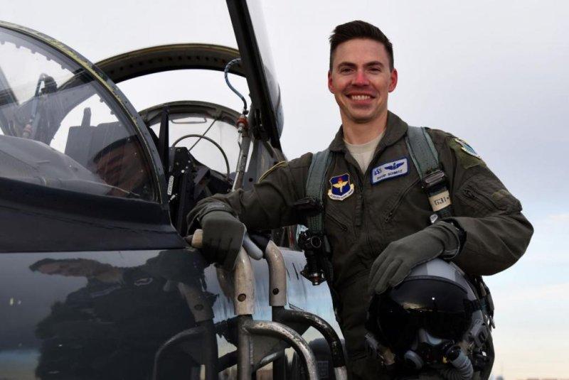 The Air Force confirmed thatLt. David Schmitz was killed in an F-16 crash at Shaw Air Force Base in South Carolina this week. Photo via Laughlin Air Force Base/Facebook