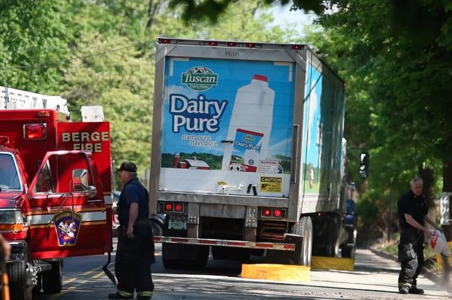 Truck spills nearly 200 gallons of milk onto New Jersey