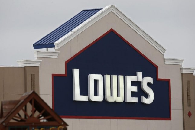 Lowe's to hire 53,000 before spring