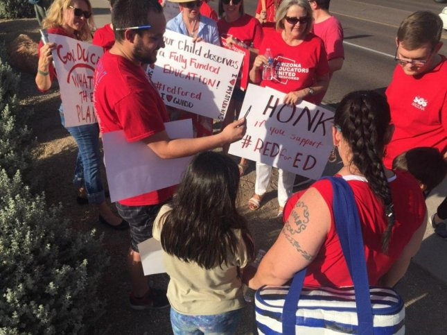 Arizona governor promises 20% raise for teachers by 2020