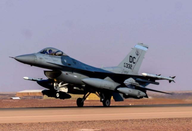 An F-16C fighter plane of the District of Columbia Air National Guard arrives at Prince Sultan Air Base, Saudi Arabia. Photo by Senior Airman Samuel Earick/U.S. Air Force