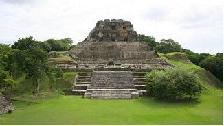 The Maya cleared away forests to grow crops and build their cities and temples. El Castillo at Xunantunich was an ancient Maya ceremonial site in western Belize. Credit: Ian Mackenzie/wikicommons