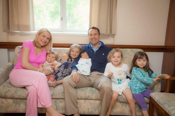 Andrea Canning, her husband Major Tony Bancroft and five young daughters -- including newborn Elle. Photo by Andrea Canning/Twitter