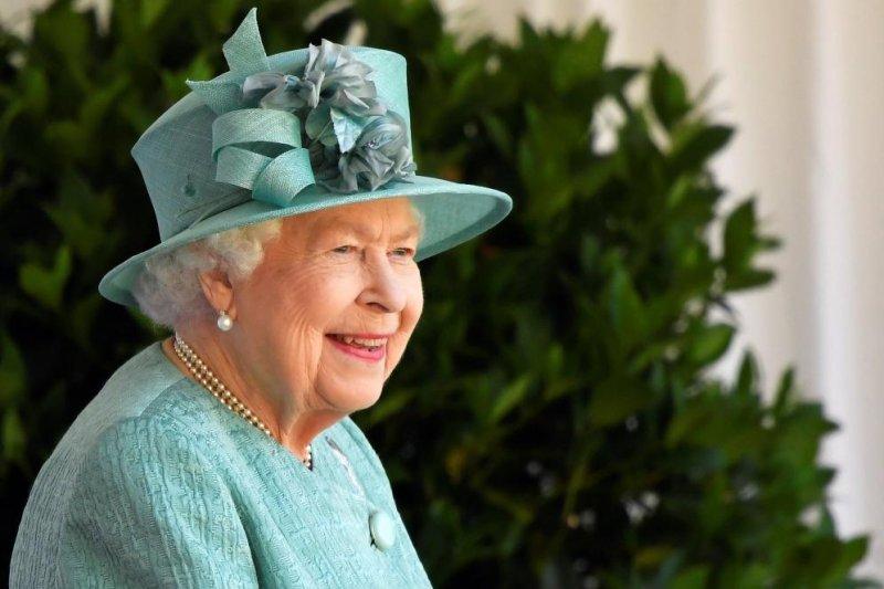Queen Elizabeth celebrates 94th birthday in 'mini-trooping' ceremony