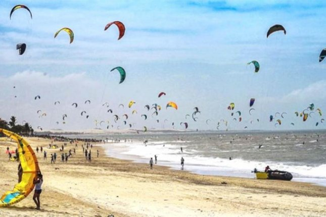 A parade of 596 kite surfers broke a Guinness World Record at an event in Brazil. Photo courtesy of Guinness World Records