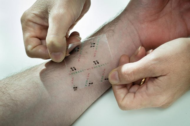Researchers said the slow-release of ibuprofen and easy-to-remove adhesive could make the patch widely used. Photo by University of Warwick